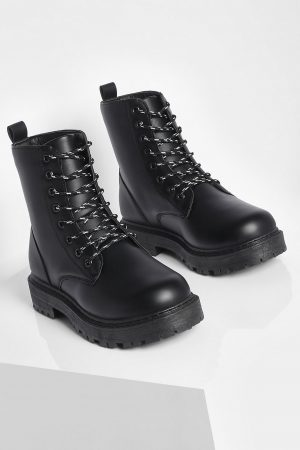 https://ie.boohoo.com/wide-fit-chunky-hiker-boots/FZZ47863.html
