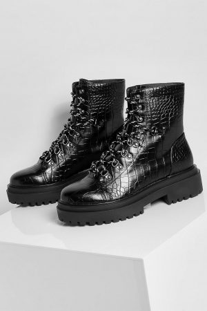 Chunky Sole Eyelet Detail Lace Up Hiker Boots
